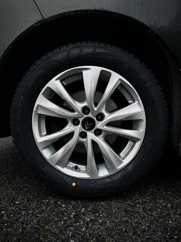 pneu de voiture