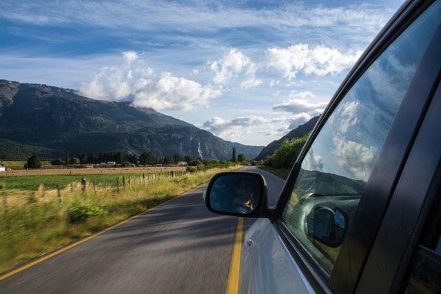 Route droite pour une première sortie de conduite